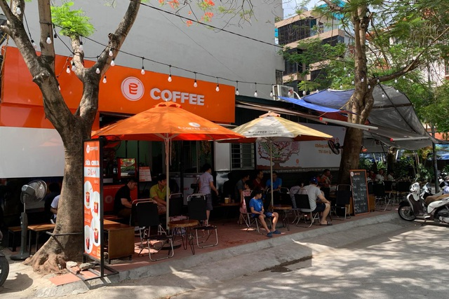 Mô hình E-Coffee Kiosk & TakeAway