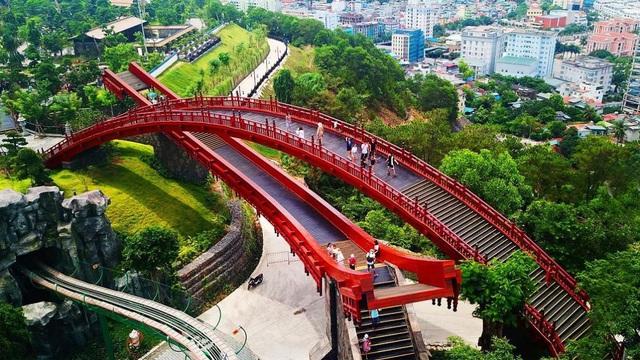"""Nhiều lý do khiến du khách ngày càng """"tín"""" du lịch Quảng Ninh - Ảnh 2."""
