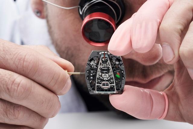 Richard Mille phá vỡ mọi giới hạn chế tác đồng hồ với RM 40-01 Automatic Tourbillon McLaren Speedtail - Ảnh 3.