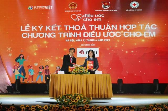 Hai doanh nghiệp của ông Đỗ Minh Phú trao tặng 20 tỷ đồng vào Quỹ Vaccine phòng Covid -19 - Ảnh 3.