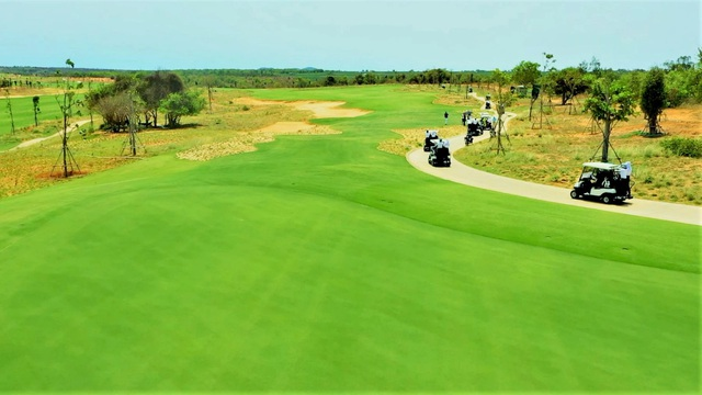 Biệt thự triệu đô giữa lòng sân Golf chuẩn PGA tại Việt Nam - Ảnh 4.