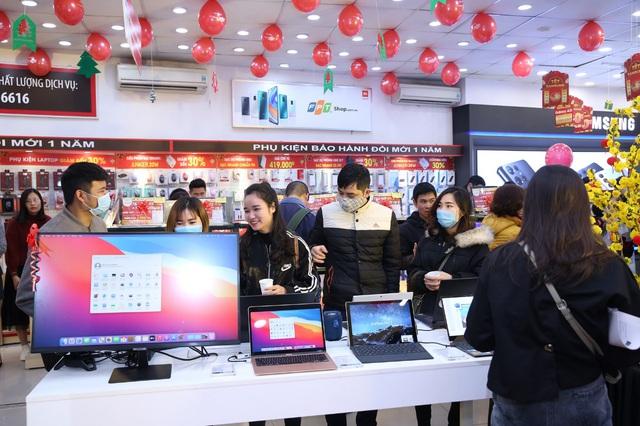 Tuần lễ laptop, FPT Shop giảm đến 3 triệu cho hàng loạt laptop mỏng nhẹ - Ảnh 1.