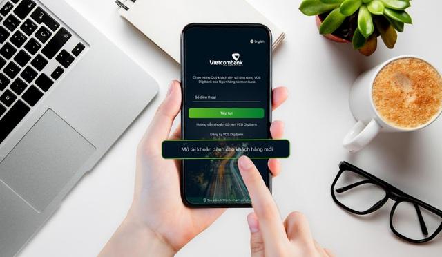 Vietcombank áp dụng eKYC, giúp khách hàng mở tài khoản chỉ trong một vài phút - Ảnh 2.