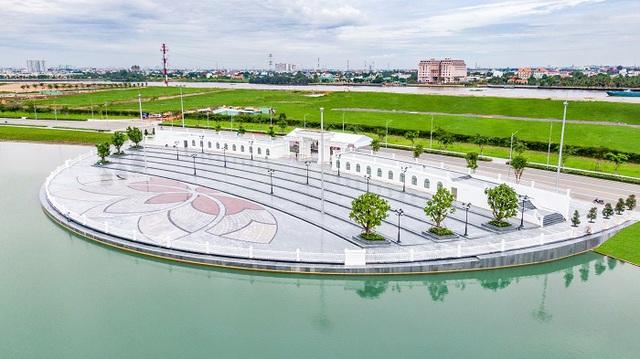 Van Phuc Group đẩy mạnh tiến độ thi công công trình Nhạc Nước trăm tỷ - Ảnh 1.