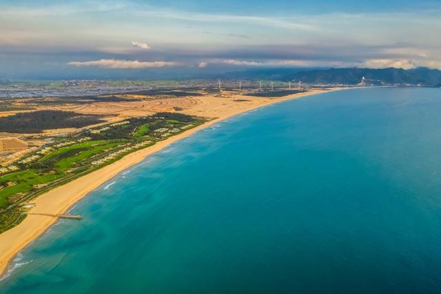Quy Nhơn giàu tiềm năng du lịch, thu hút đầu tư bất động sản nghỉ dưỡng - Ảnh 1.