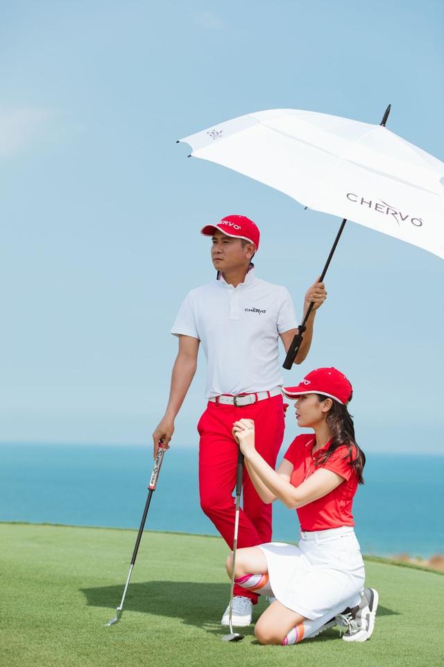 Lưu Hương Giang, Hồ Hoài Anh gợi ý phong cách golf dành cho doanh nhân - Ảnh 1.
