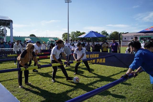 Hàng trăm cầu thủ trẻ Tiền Giang bật nội lực, chinh phục đam mê bóng đá ở vòng sơ tuyển - ảnh 3