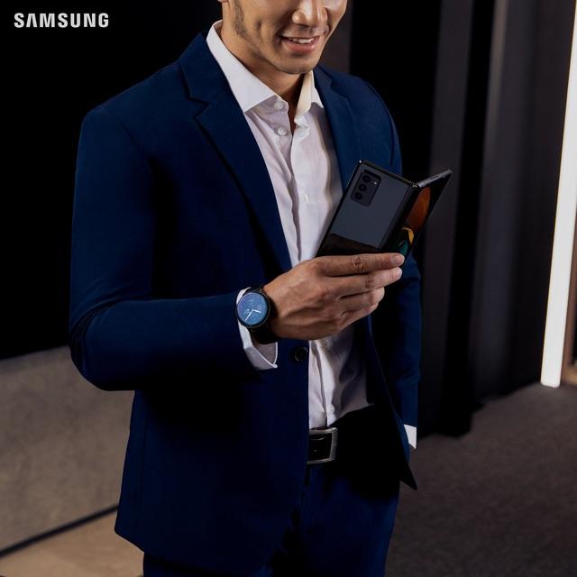 """Vì sao điện thoại màn hình gập là xu thế """"flagship"""" tất yếu của 2021? - Ảnh 2."""