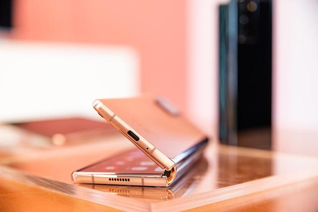"""Vì sao điện thoại màn hình gập là xu thế """"flagship"""" tất yếu của 2021? - Ảnh 3."""