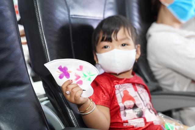 Cùng Vietjet lan toả niềm vui trên chuyến bay nhân ngày 1/6 - Ảnh 3.