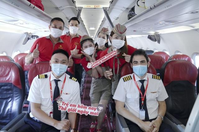 Cùng Vietjet lan toả niềm vui trên chuyến bay nhân ngày 1/6 - Ảnh 5.