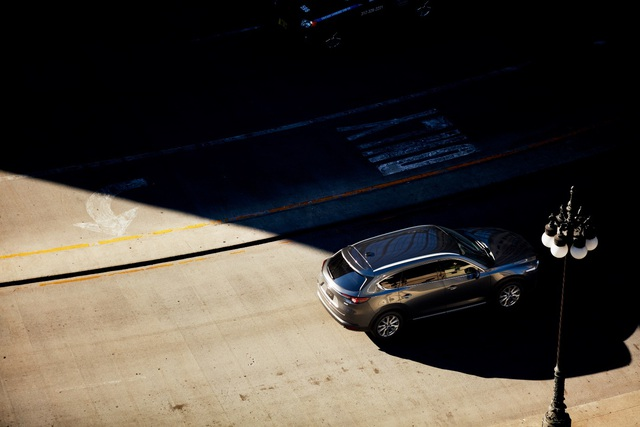 Mazda CX-8: Đa dạng phiên bản phù hợp với mọi nhu cầu - Ảnh 1.
