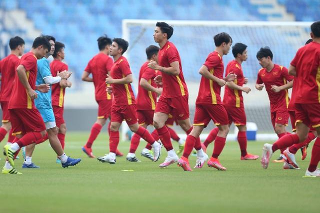 """Chiến binh vàng tạo nên lịch sử - Việt Nam đến gần hơn """"Giấc mơ World Cup"""" - Ảnh 2."""