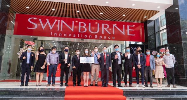 Swinburne Việt Nam khai trương trung tâm sáng tạo kết nối doanh nghiệp - Ảnh 2.