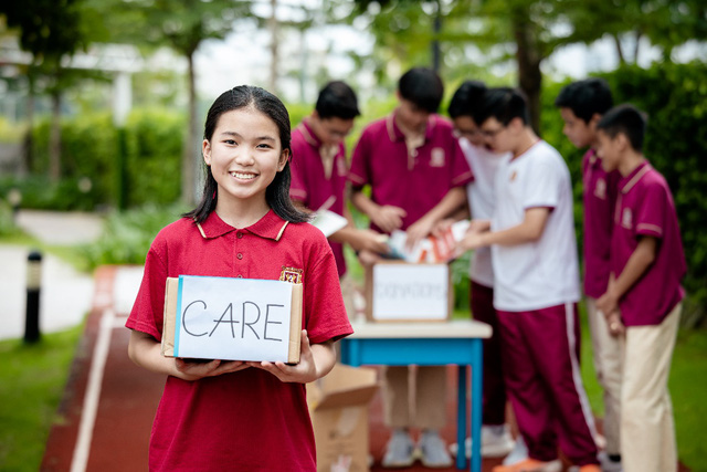 12 học sinh lớp 12 VAS nhận học bổng du học trị giá hơn 60 tỷ đồng - Ảnh 2.