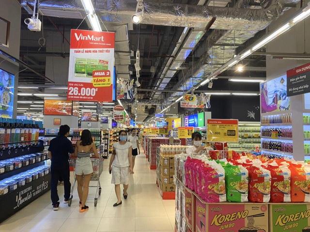 VinMart, VinMart+ khuyến mại nhiều hàng hóa, thực phẩm thiết yếu trong mùa dịch - Ảnh 1.