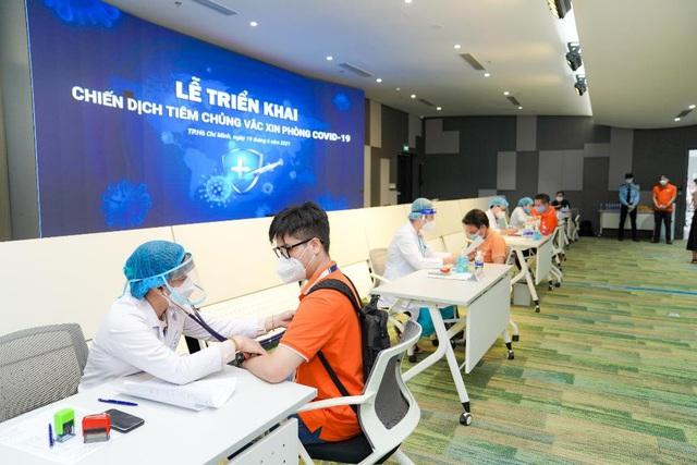 Nhân viên FPT Software mở màn chiến dịch tiêm vaccine Covid-19 tại TP HCM - Ảnh 2.