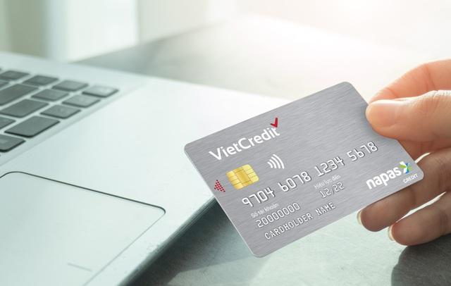 VietCredit ưu đãi hè tặng vali cao cấp cho chủ thẻ vay - Ảnh 3.