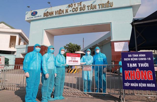Agribank ủng hộ Hà Nội 10 tỷ đồng cho Quỹ vắc xin và công tác phòng chống dịch - Ảnh 1.