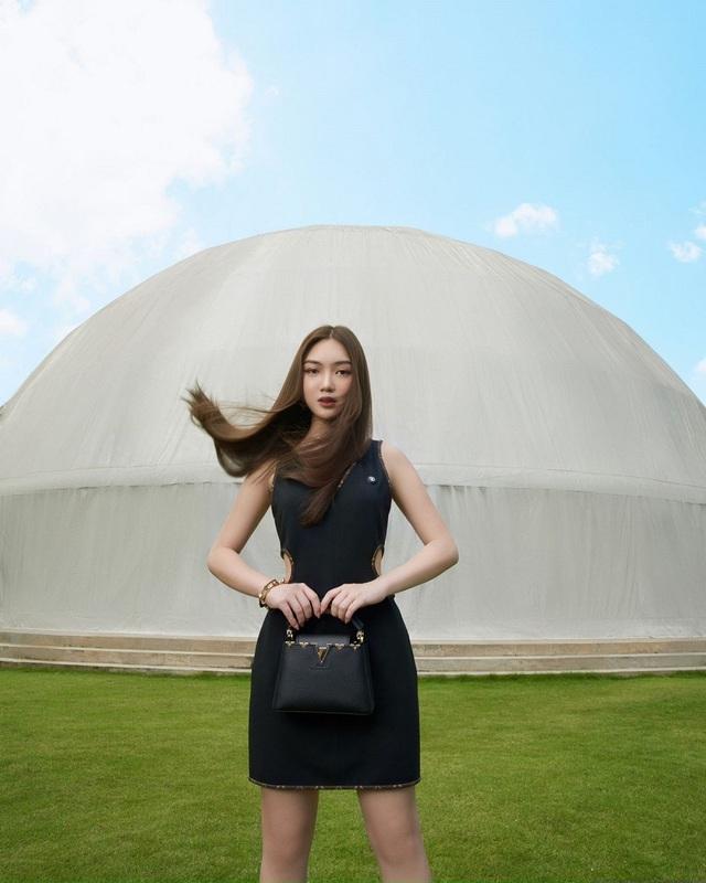 Chloe Nguyễn xem show Louis Vuitton tại nhà theo cách độc nhất vô nhị khiến ai cũng phải thốt lên: Đỉnh quá chị ơi! - ảnh 6