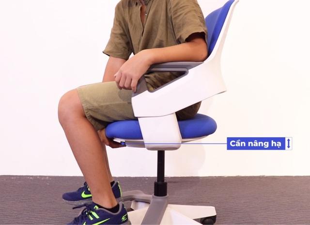 Lựa chọn ghế ngồi không đúng ảnh hưởng rất lớn đến sự phát triển  của trẻ em - Ảnh 1.