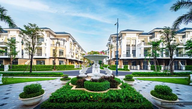 Khang Điền bắt đầu bàn giao sổ hồng cho cư dân Verosa Park & Safira - Ảnh 1.