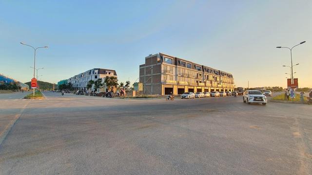 Chính thức chuyển giao shophouse và shopvilla đầu tiên của TNR star Thái Hòa - Ảnh 1.