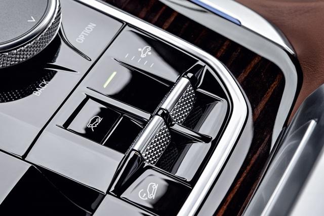 BMW X5 M Sport - Xe sang gầm cao mạnh mẽ, đậm tính thể thao cho người mê trải nghiệm lái - Ảnh 3.