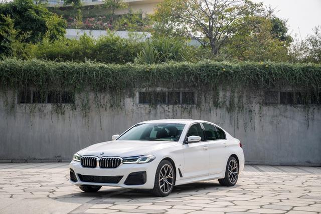 BMW 5 Series M Sport – Cá tính thể thao riêng biệt từ BMW - Ảnh 1.