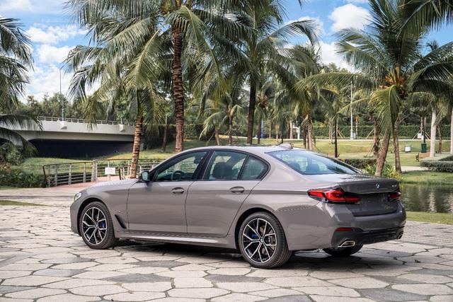 BMW 5 Series M Sport – Cá tính thể thao riêng biệt từ BMW - Ảnh 2.