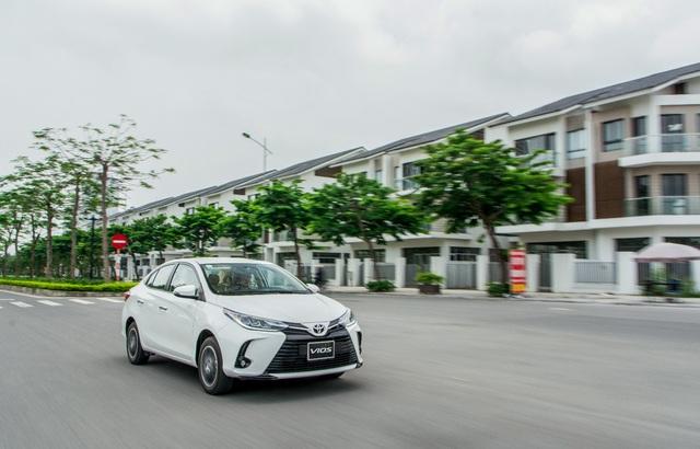 Toyota Vios được ưu đãi chưa từng có, quyết đòi lại ngôi vương - Ảnh 3.