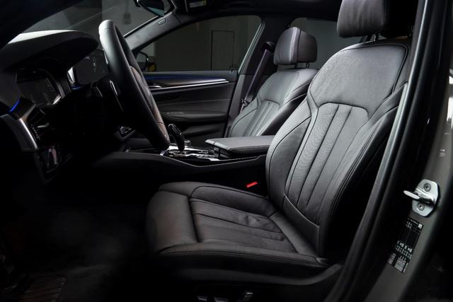 BMW 5 Series M Sport – Cá tính thể thao riêng biệt từ BMW - Ảnh 3.