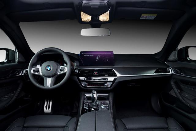 BMW 5 Series M Sport – Cá tính thể thao riêng biệt từ BMW - Ảnh 4.
