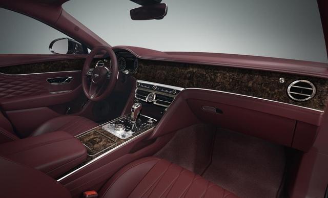 Showroom Bentley Hồ Chí Minh nhận đặt hàng Flying Spur V8 phiên bản 2022 chính hãng - Ảnh 1.