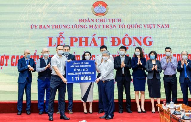 Đất Xanh Miền Trung hỗ trợ Quảng Bình 1 tỷ đồng, nâng tổng số tiền ủng hộ quỹ vaccine lên 2 tỷ đồng - Ảnh 1.