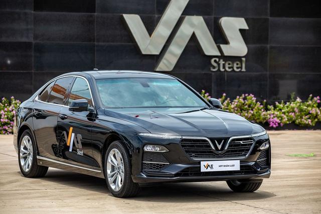 VinFast bàn giao 18 xe Lux cho Công ty Gang thép VAS Nghi Sơn - Ảnh 3.