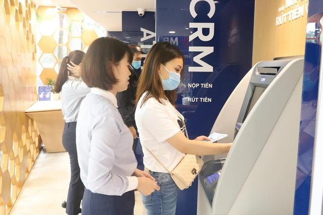 Phát hành thẻ tín dụng online siêu tốc chỉ trong 1 phút trên App MBBank - Ảnh 1.
