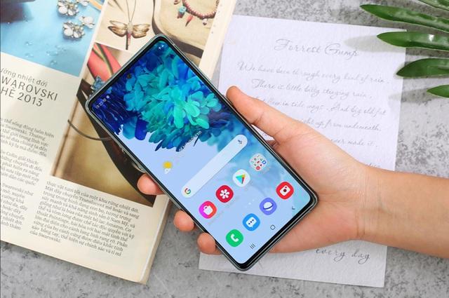 """Chớp ngay """"hotdeal"""" Samsung Galaxy S20 FE 2,5 triệu, tậu flagship mùa giãn cách với giá cực hời tại Thế Giới Di Động - Ảnh 2."""