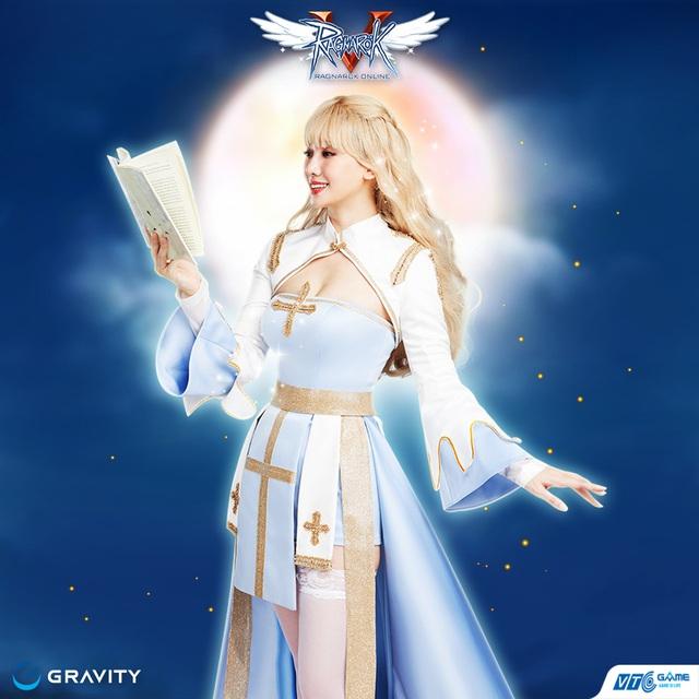 Tóc bạch kim vòng 1 lấp ló, Hari Won khoe full bộ ảnh cosplay nhân vật trong Ragnarok Online đẹp ná thở: game thủ say nắng hay là say Hari? - Ảnh 6.