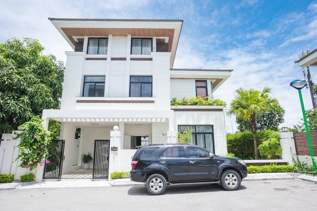 FLC Grand Villa Halong: nghỉ dưỡng chuẩn 5 sao giữa lòng kỳ quan - Ảnh 1.