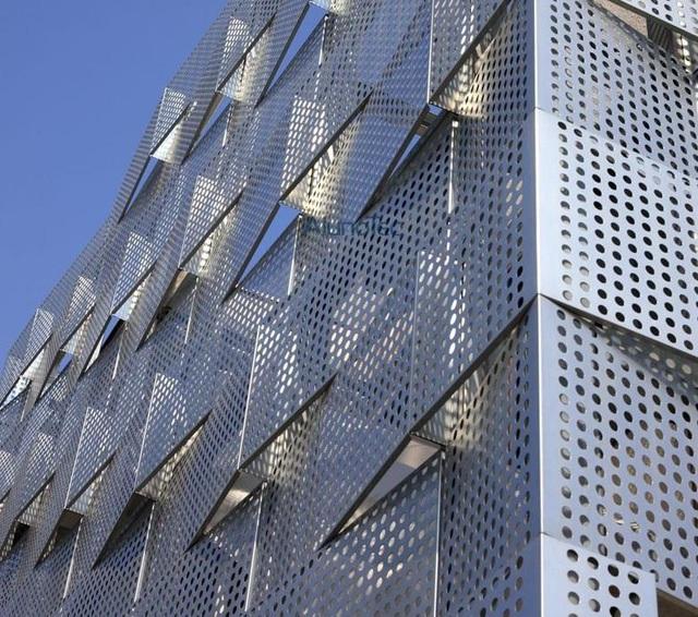 Xưởng CNC Laser Quảng Cáo Việt giúp công trình của bạn nghệ thuật hơn - Ảnh 3.