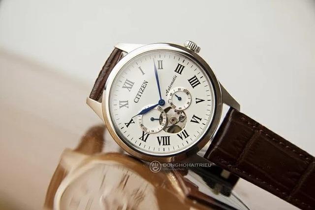 Tưởng đồng hồ Citizen cơ lộ máy có gì hay, hoá ra là vậy - Ảnh 1.