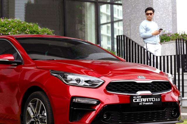 Kia Cerato thống trị doanh số phân khúc sedan hạng C nửa đầu năm 2021 - Ảnh 1.