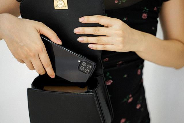 What's in Gen Z's bag? Gen Z là gì, có gì mà tạo trend đình đám thế này!