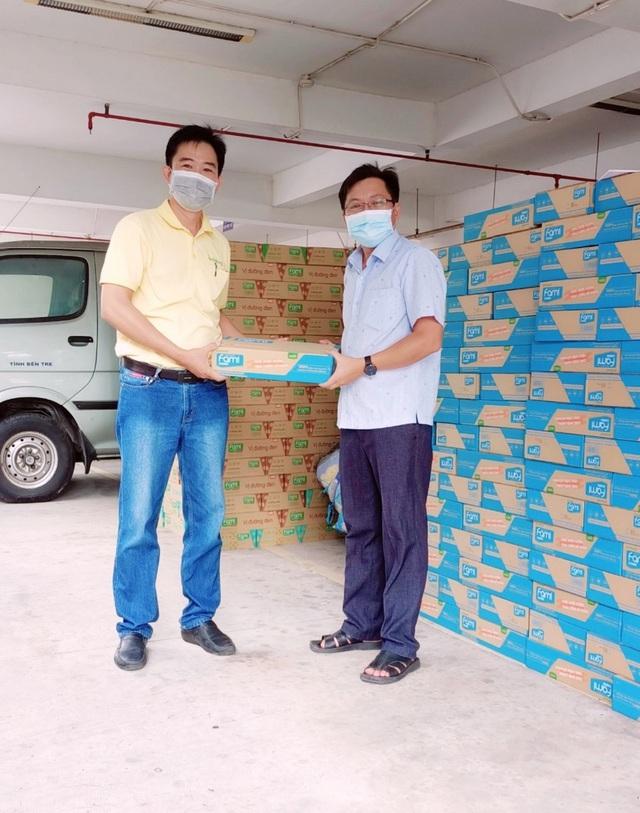 Vinasoy tiếp sức lực lượng tuyến đầu và cộng đồng 1 triệu hộp sữa - Ảnh 3.
