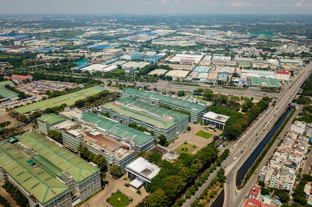 Khu công nghiệp Tân Tạo (Bình Tân), nơi tập trung hàng trăm công ty sản xuất trong và ngoài nước. Ảnh: Quỳnh Trần