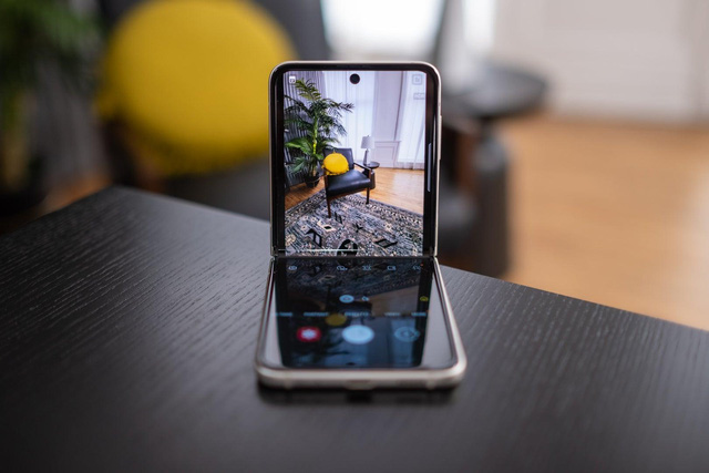 Giải mã cơn sốt Galaxy Z: vì sao smartphone đỉnh chóp lại được giới trẻ chú ý nhiều đến vậy - Ảnh 2.