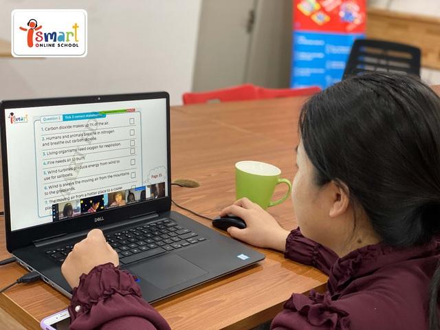 Ra mắt trường dạy trực tuyến tiếng Anh qua môn Toán và Khoa học hàng đầu Việt Nam - Ảnh 2.