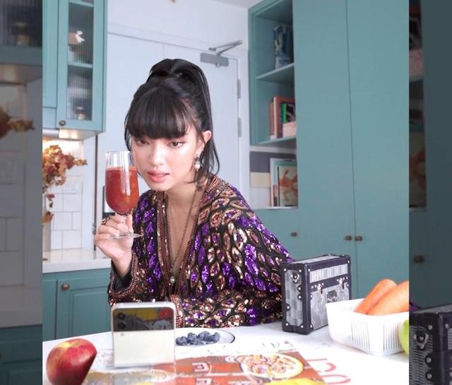 Châu Bùi rạng ngời sáng tạo nội dung ngay trong căn bếp với Galaxy Z Flip3 - ảnh 4