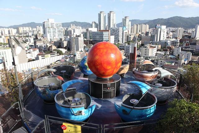 Công nghệ VR đem lại trải nghiệm shopping trong mơ tại Daegu - Ảnh 4.